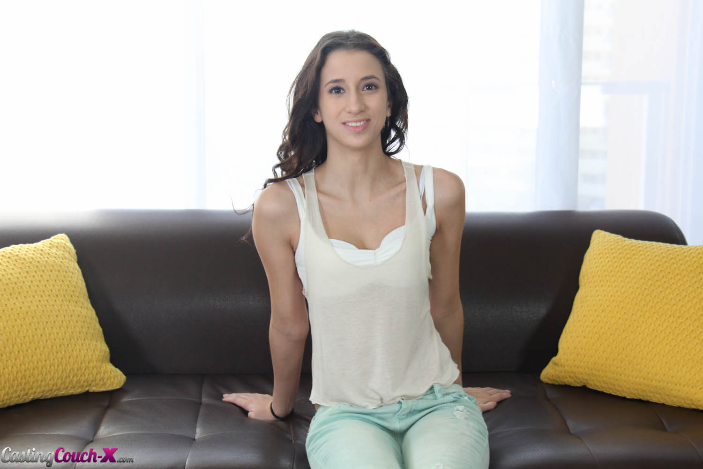 Фото casting couch x 4 фотография
