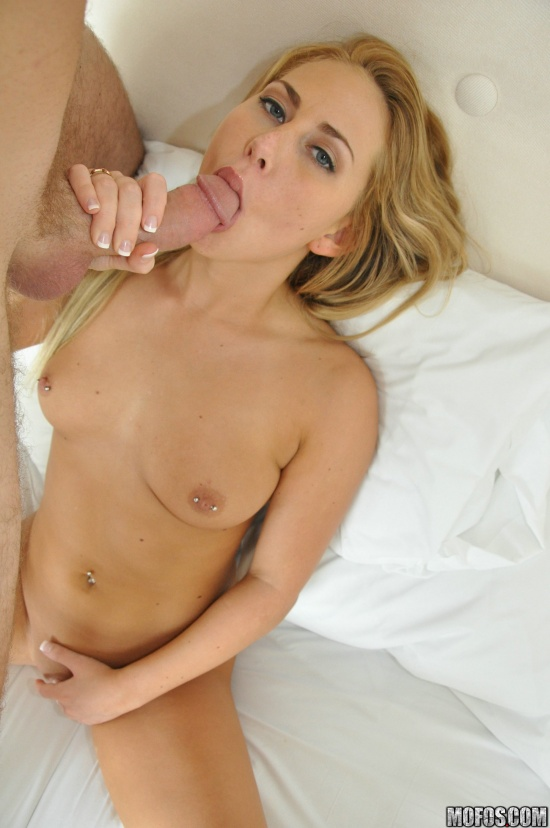 Carter Cruise sucks cocks while playing with her pussy