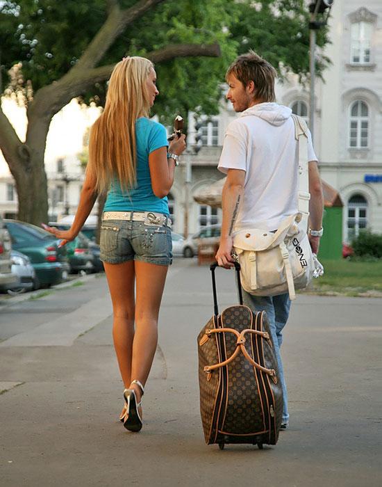 Jessica Mazury visits her horny boyfriend